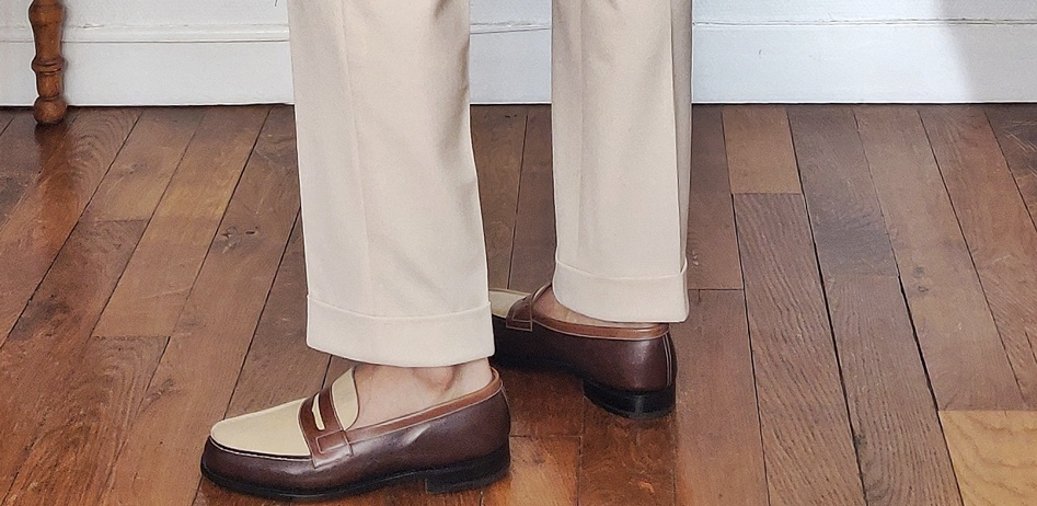 trousers with cuff and bi tone loafers
