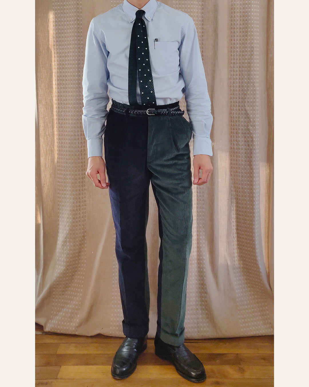 Chemise button down et pantalon fun vert et bleu