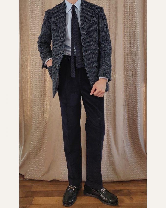 Pantalon velours bleu nuit Athi Editions veste tweed